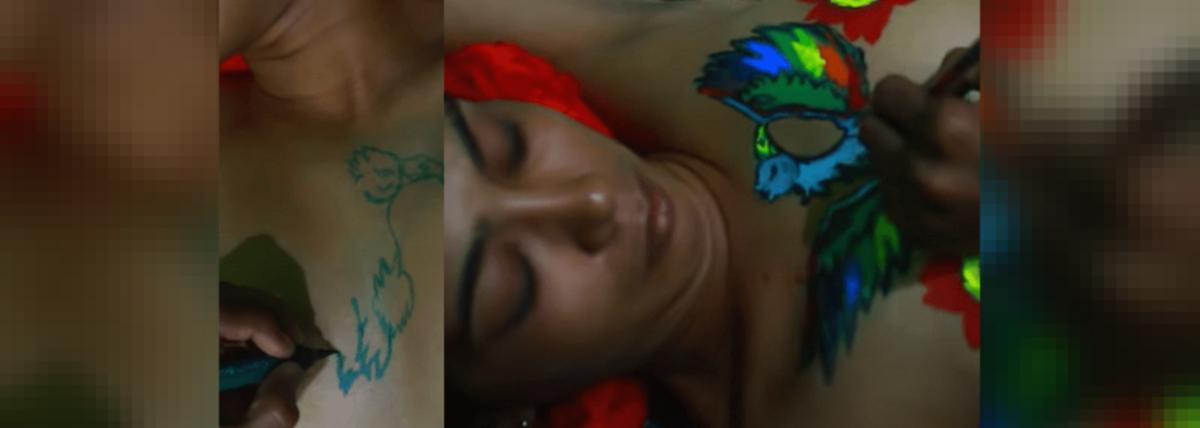 Sabarimala Activist Rehana Fathima Posts Video Of Her Children Drawing On Her Semi Nude Body Twitter In Shock