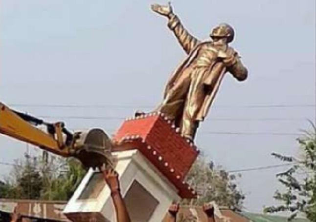 Pulling down of Lenin's statue not just an attack on Left, it's an assault on plurality of ideas and diversity of thought