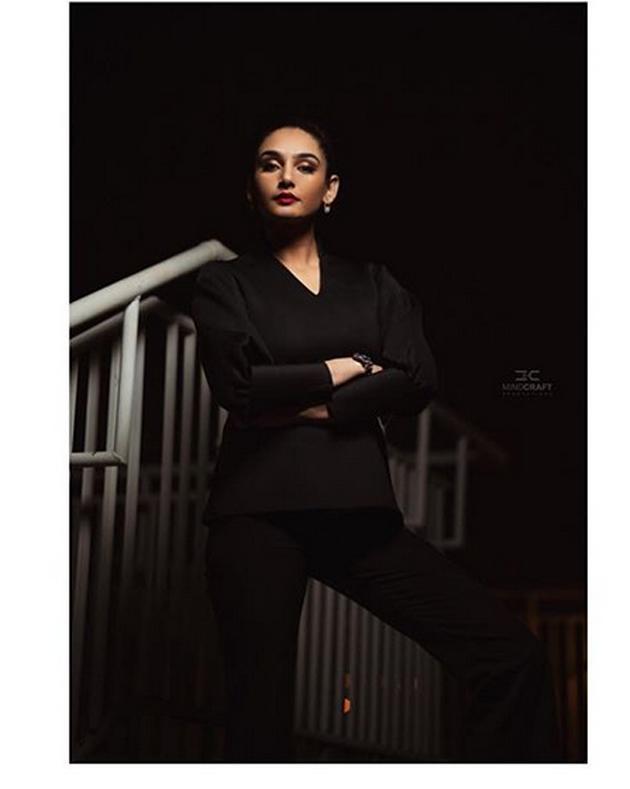 Ragini Dwivedi Instagram Pics