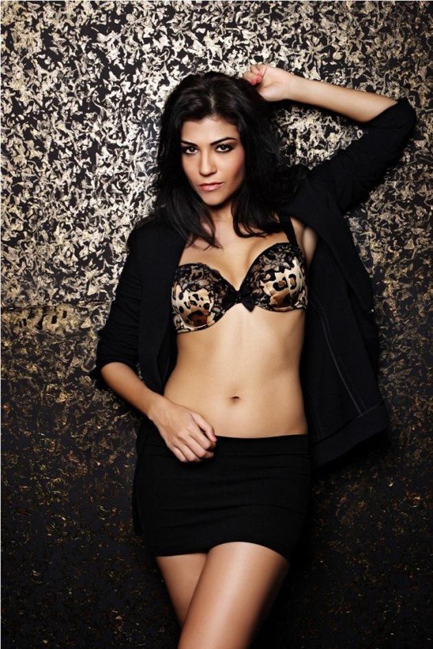 Archana Vijaya Photo Shoot