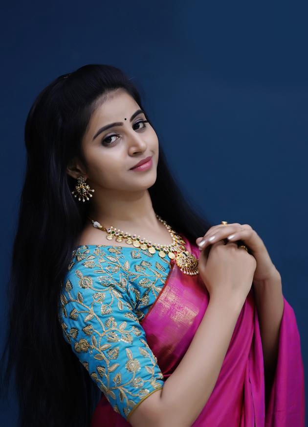 Naveena Reddy Photos