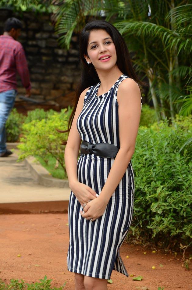 Kashish Vohra Latest Photos