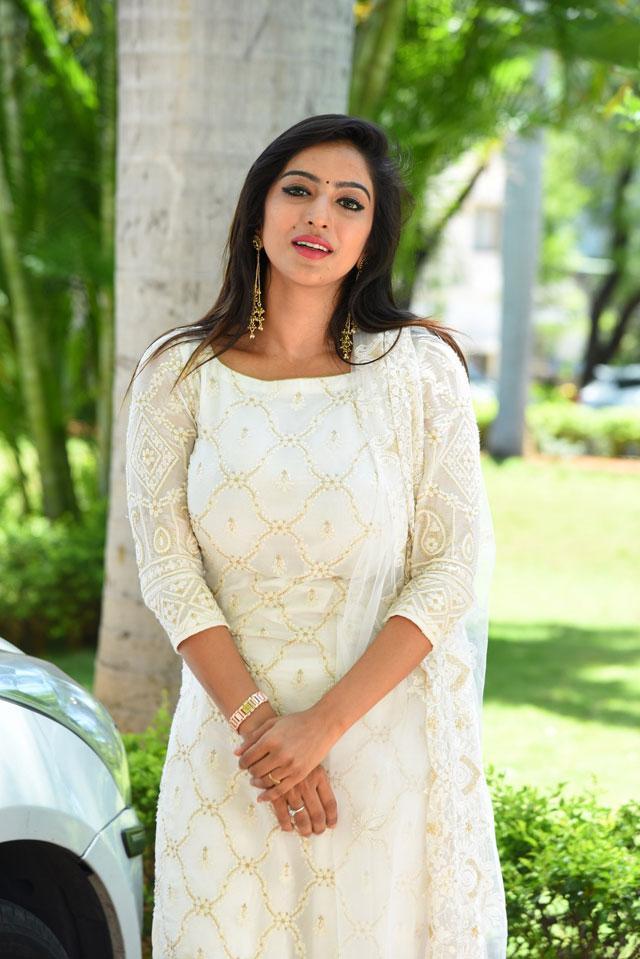 Vaibhavi Joshi Photos