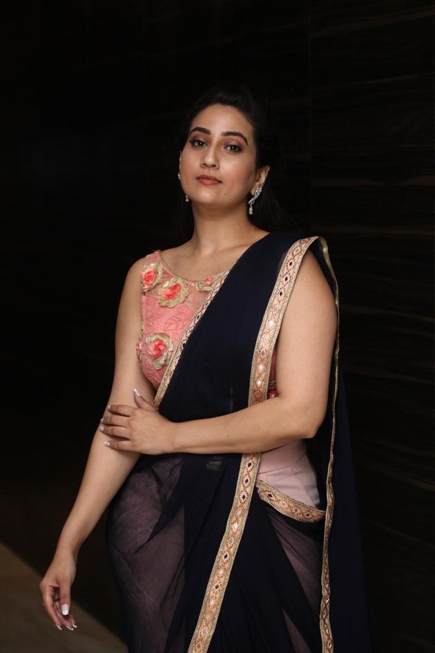 Anchor Manjusha New Photos