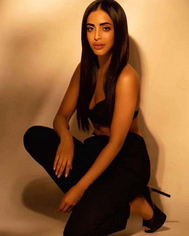 Priya Banerjee Photos
