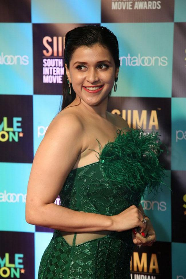 Mannara Chopra at SIIMA Awards