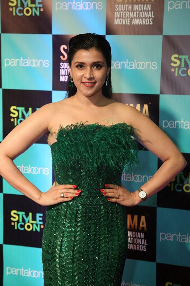 Mannara Chopra at SIIMA Awards