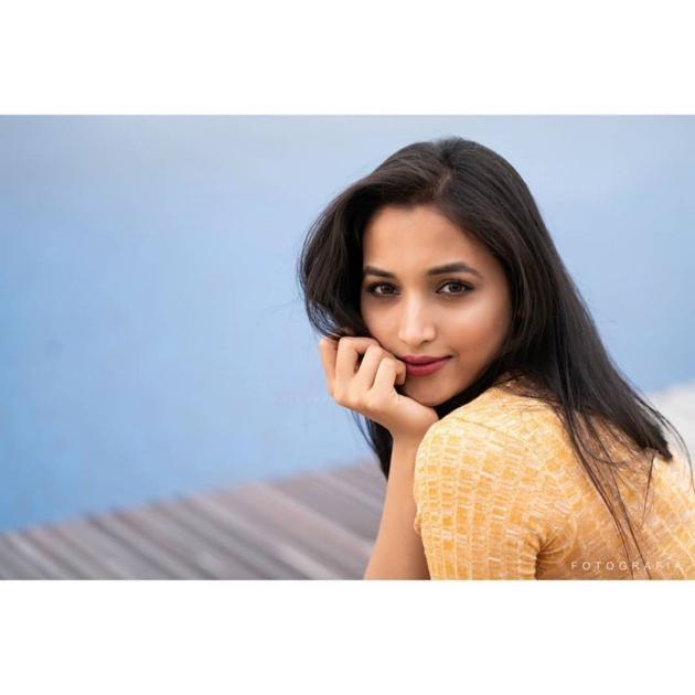 Srinidhi Shetty New Photo Shoot