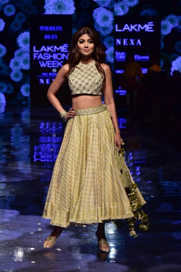 Shilpa Shetty Walks The Ramp at Lakme Fashion Week Photos