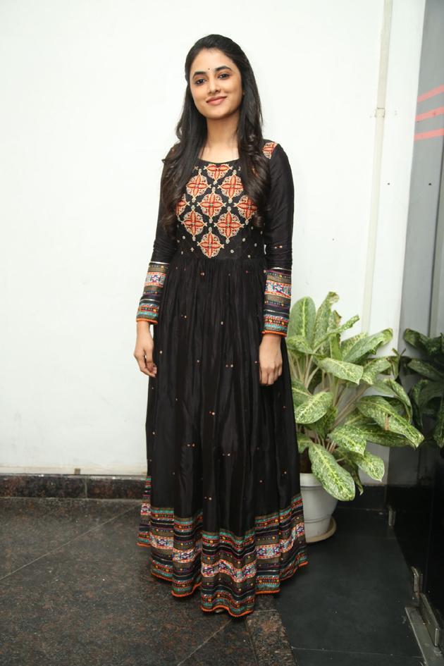 Priyanka Arul Mohan Photos