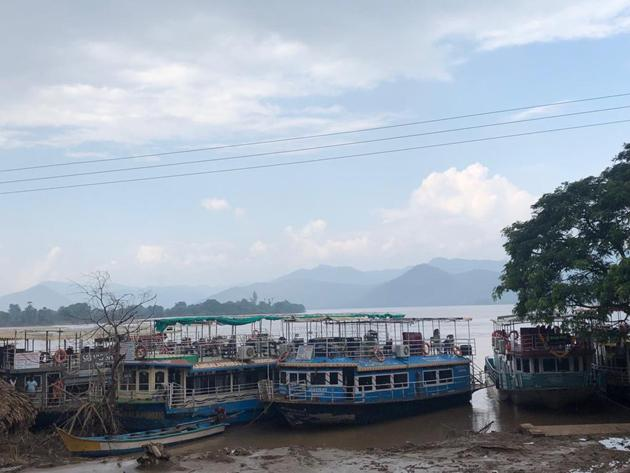 Boat Capsized In Godavari Near Papikondalu Photos