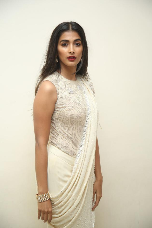 Pooja Hegde Latest Photos