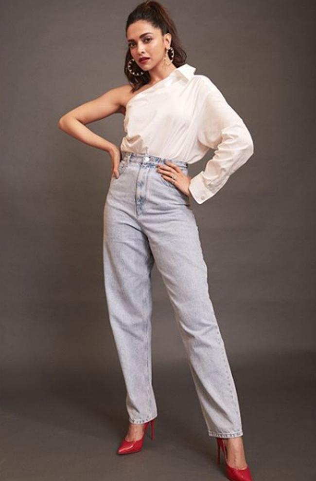 Deepika Padukone Poses For Bazar India