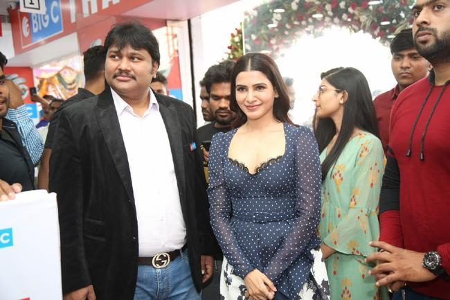 Samantha Launch Oneplus Mobiles At Big C