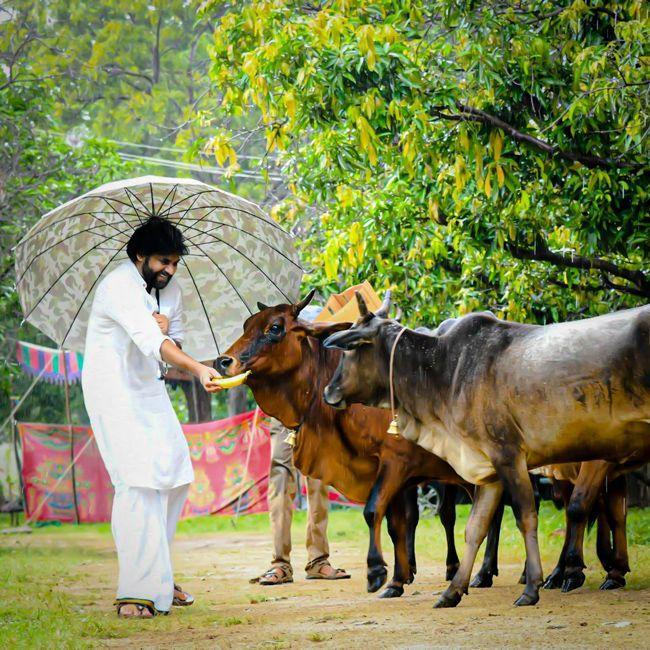 Pawan Kalyan With Gomathas Photos