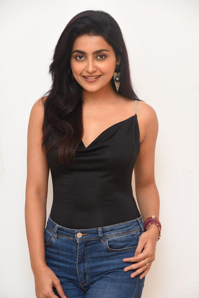 Avantika Mishra Interview Photos