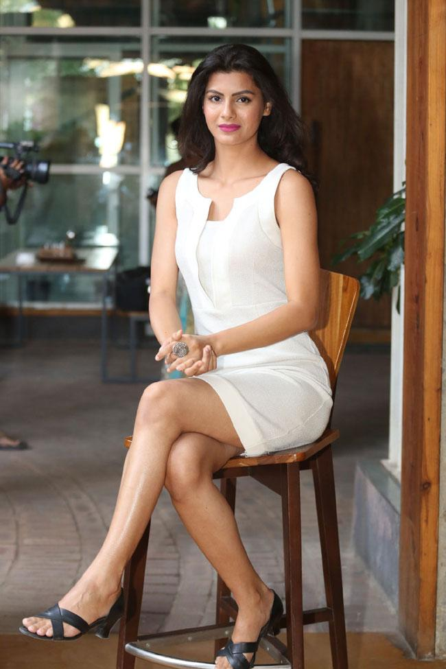Boolywood Actress Juhee Khan Grand Launched Aneemax Digital Business Card