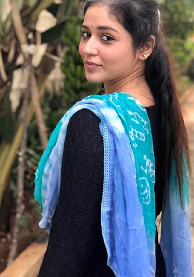 Priyanka Jawalkar Cute Pics
