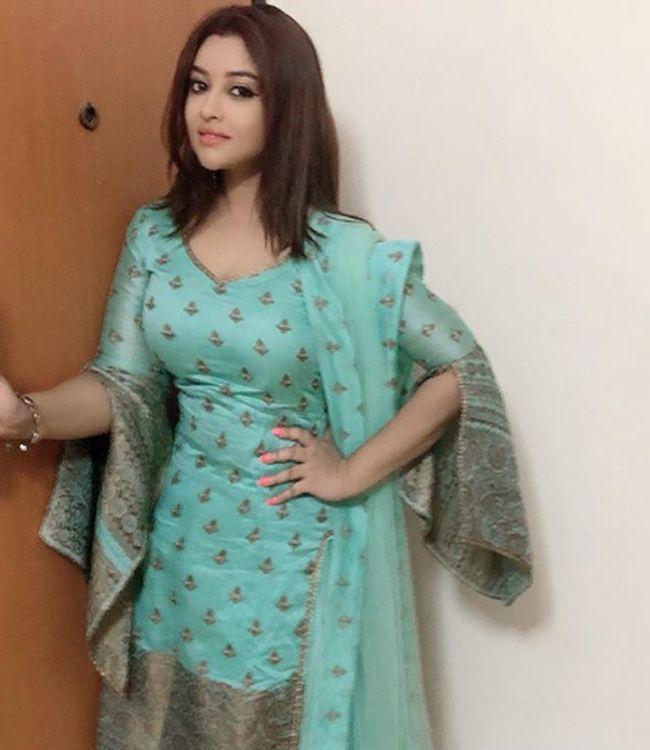Payal Ghosh Glamours Pics