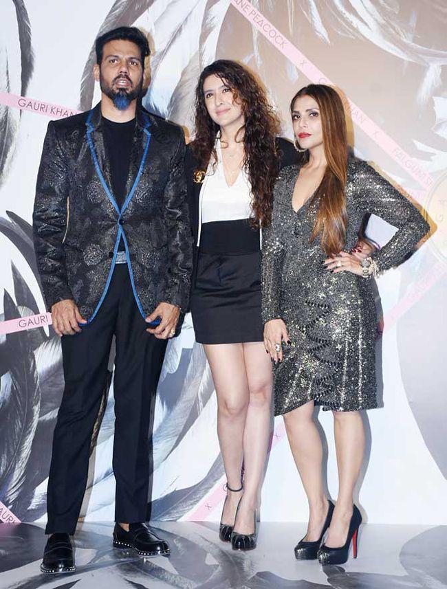 Fatima Sana Shaikh,Manushi Chhillar,Waluscha De Sousa At Falguni Peacock store launch