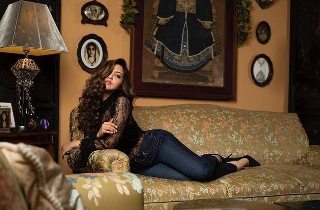 Riya Sen Stunning Stills