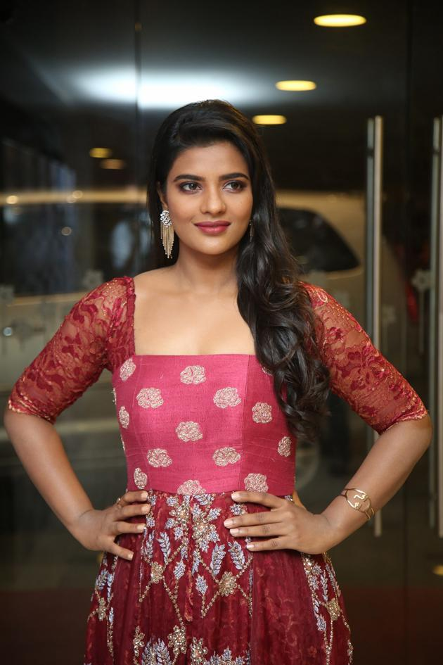 Aishwarya Rajesh new Pics