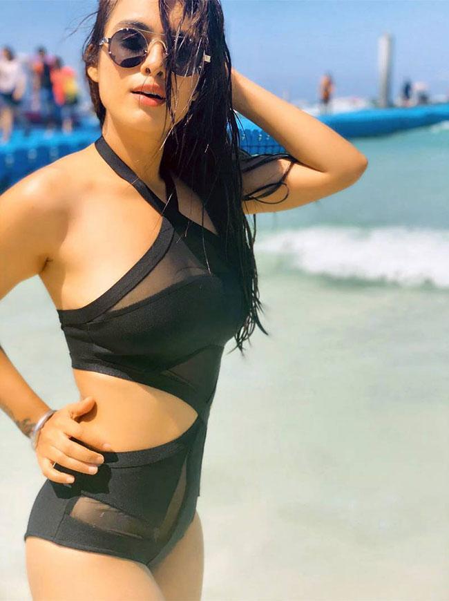 Neha Malik Spicy Pics