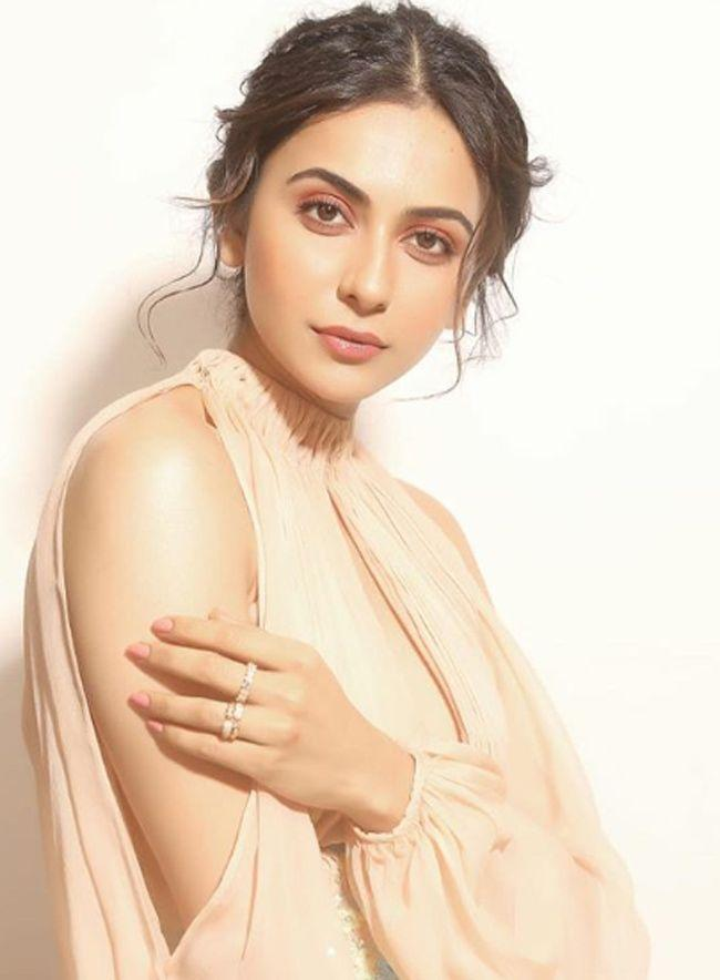 Rakul Preet Singh Latest Charming Stills
