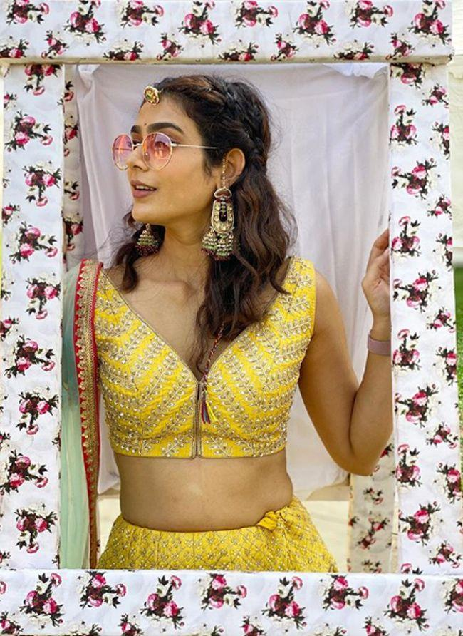 Aakanksha Singh Awesome Pics