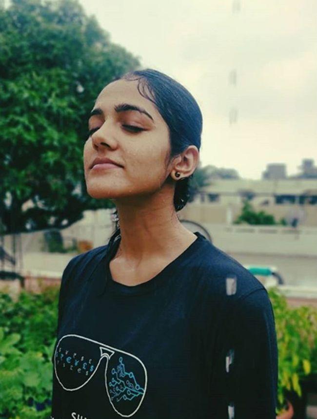 Actress Simran Choudhary Charming Pics