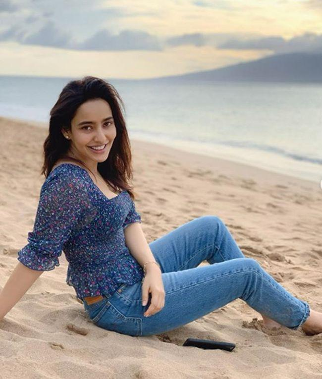 Neha Sharma Cute Photoshoot