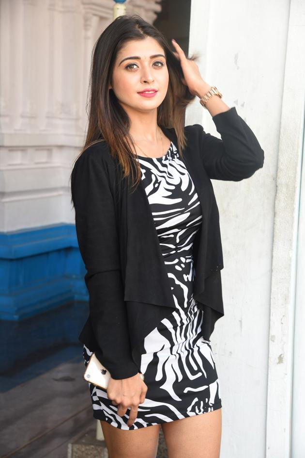 Samreen wazir pics