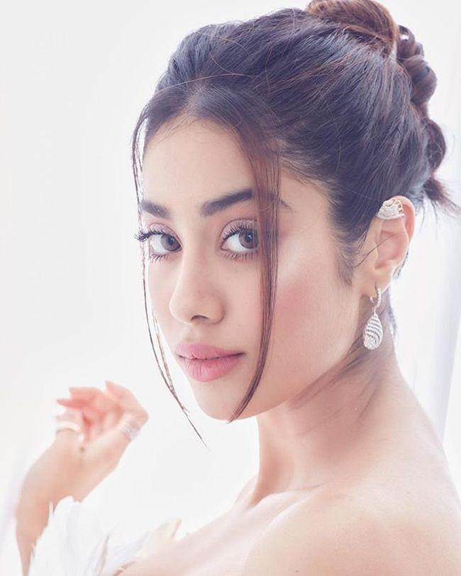 Janhvi Kapoor Looking Tremendous In White