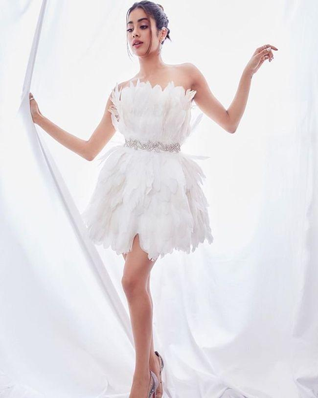 Janhvi Kapoor Looking Tremendous In White
