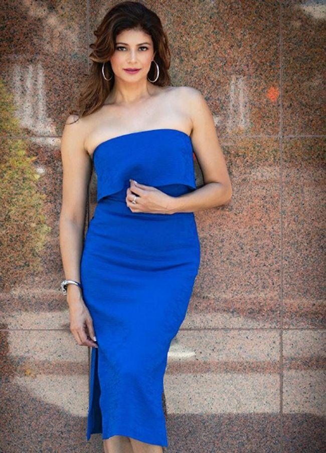 Actress Pooja Batra Latest Pics