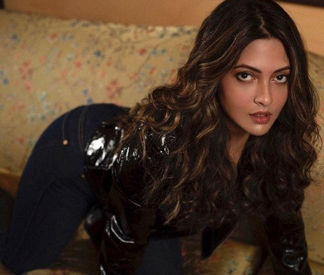 Riya Sen Latest Stunning Stills