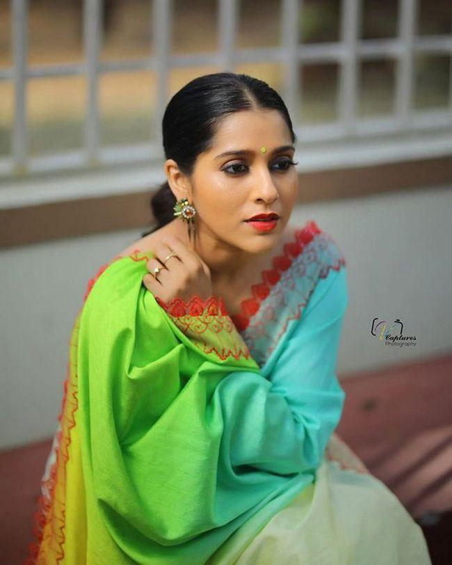Rashmi Gautam Latest Stunning Photoshoot Pics