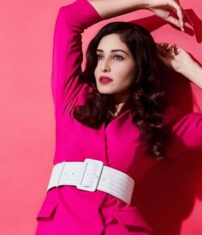 Pooja Chopra Charming Stills