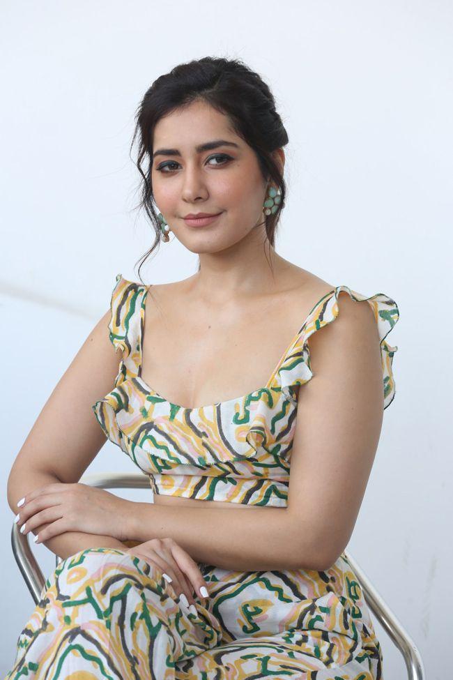 Rashi Khanna Interview Pics