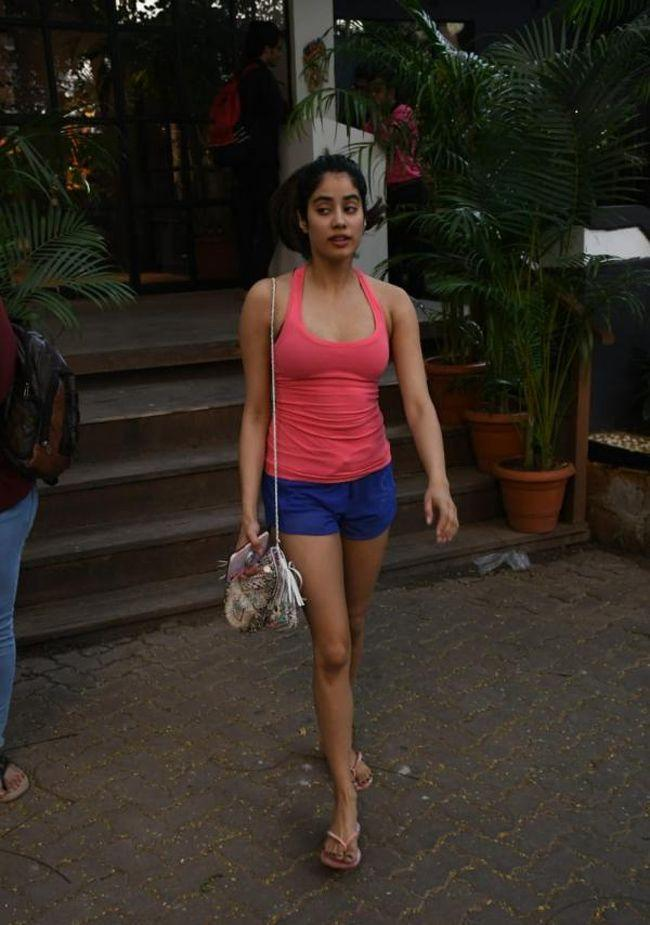 Janhvi Kapoor Spotted At Gym