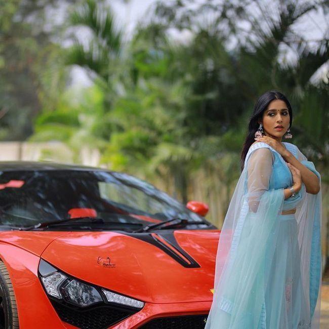 Rashmi Gautam Gorgeous Clicks