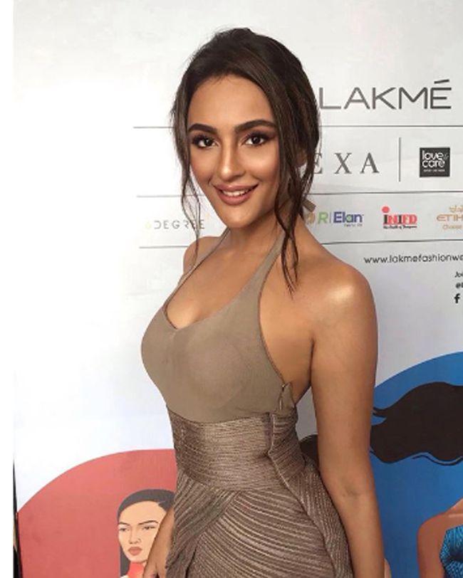 Seerat Kapoor Captivating Looks