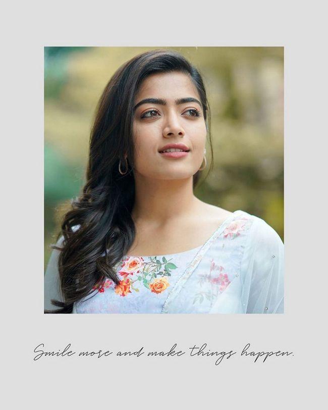 Rashmika Mandanna Ravishing Looks