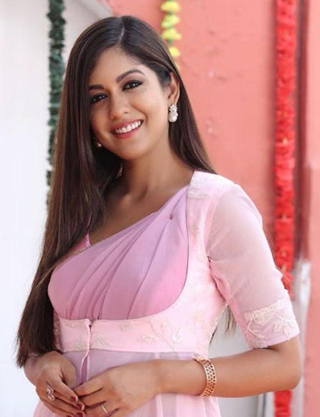Ishita Dutta Captivating Pictures