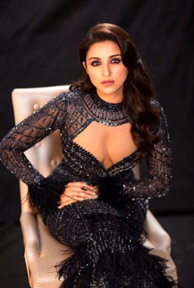 Parineeti Chopra Charming Looks