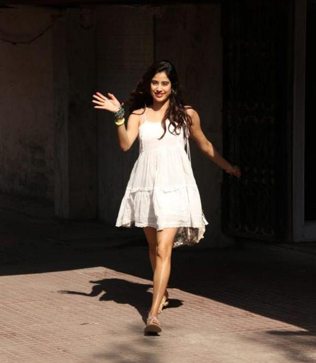 Janhvi Kapoor Looking Beautiful In White