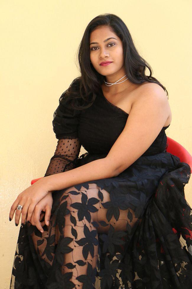 Actress Siri chandana krishnan At Right Right Bhagidi Gopal Movie Press Meet