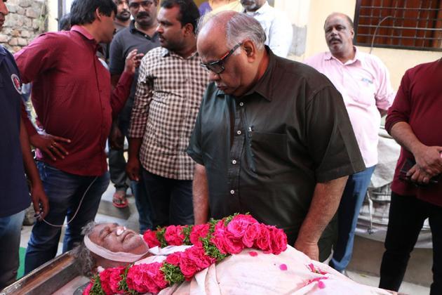 Chiranjeevi Condolences to Sr Journalist Pasupuleti Ramarao Photos