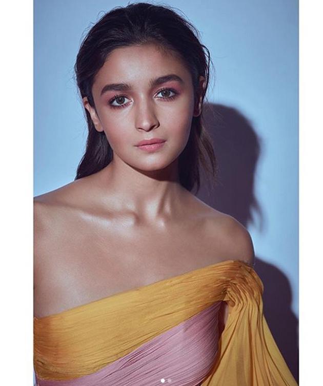 Alia Bhatt Latest Glamourous Pics