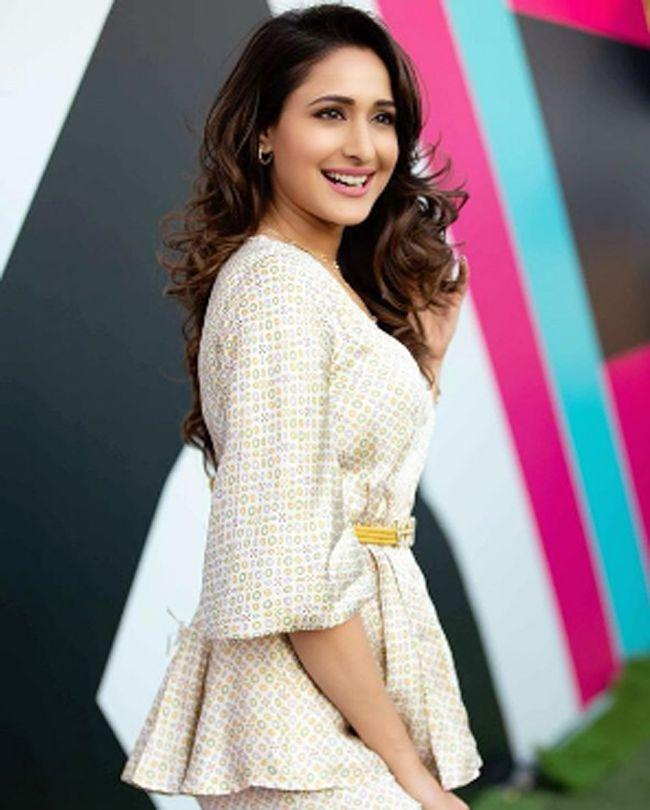 Pragya Jaiswal Adorable Photoshoot